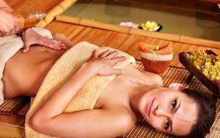 Медовый массаж живота для похудения – миф или действительно эффективная процедура?