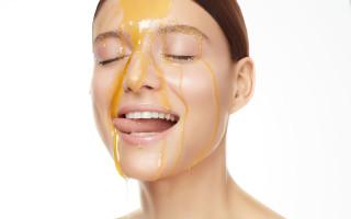 Медовый массаж лица – эффективная процедура или выдумка косметологов?